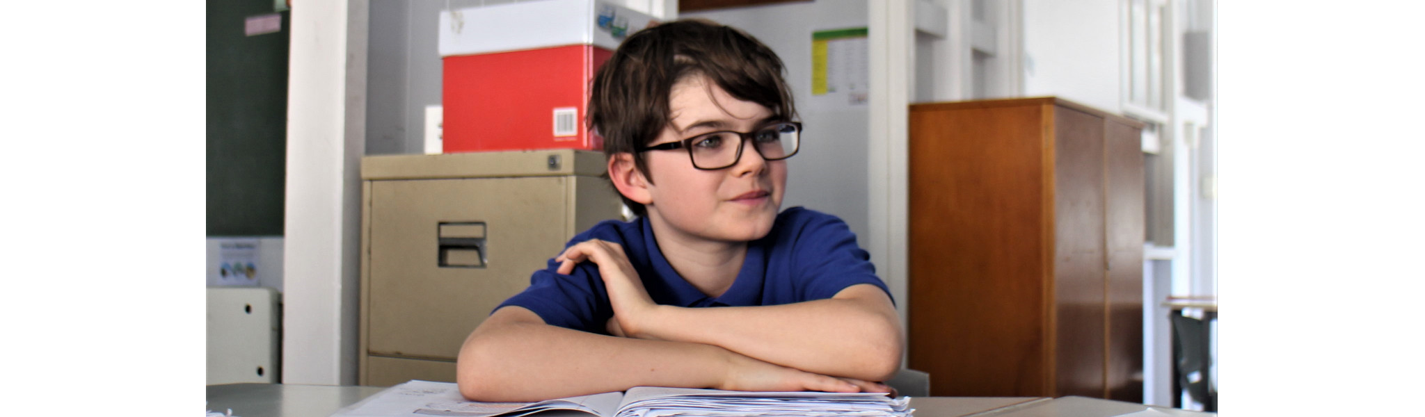Text that reads, Dinosaurs didn't read. Now they are extinct.